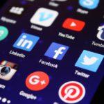 プライベート情報と役に立つ情報(Facebook)